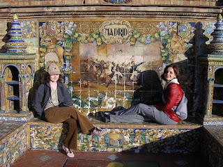 Imagini Sevilla: azulejos in Plaza Espana
