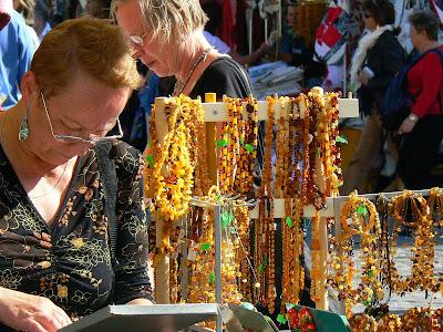 Imagini Estonia: chihlimbar in piata centrala