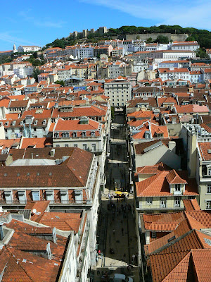 Imagini Portugalia: panorama Baixa si Sao Jorge
