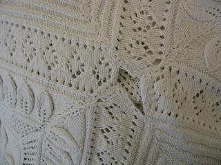 strikket sengetæppe opskrift