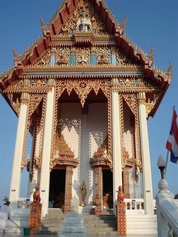 [Thailand+140+-+Wat+Khao+Klailat+(Large).JPG]