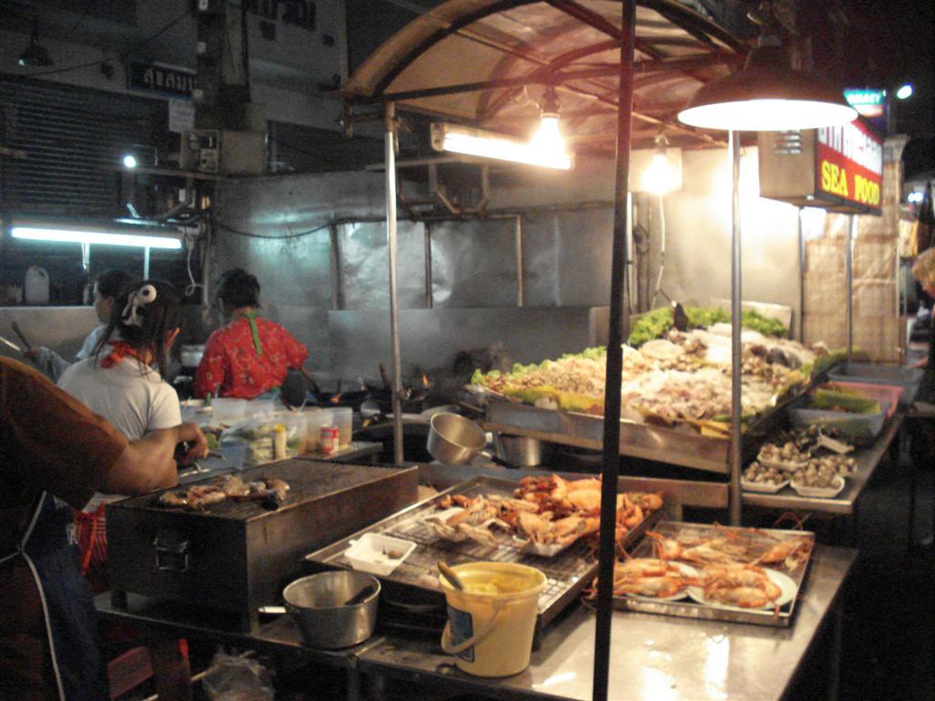[Thailand+087+-+Market+(Large).JPG]