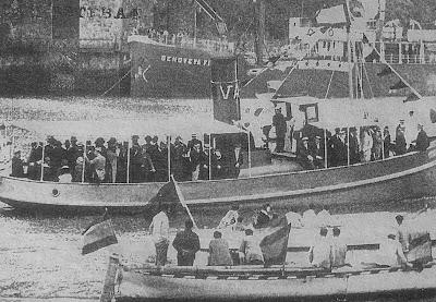 Durante una procesión marinera en los años veinte.