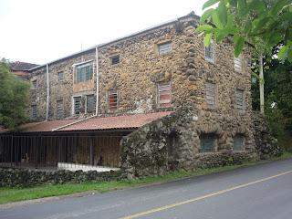 Casa feita de pedras em Penedo