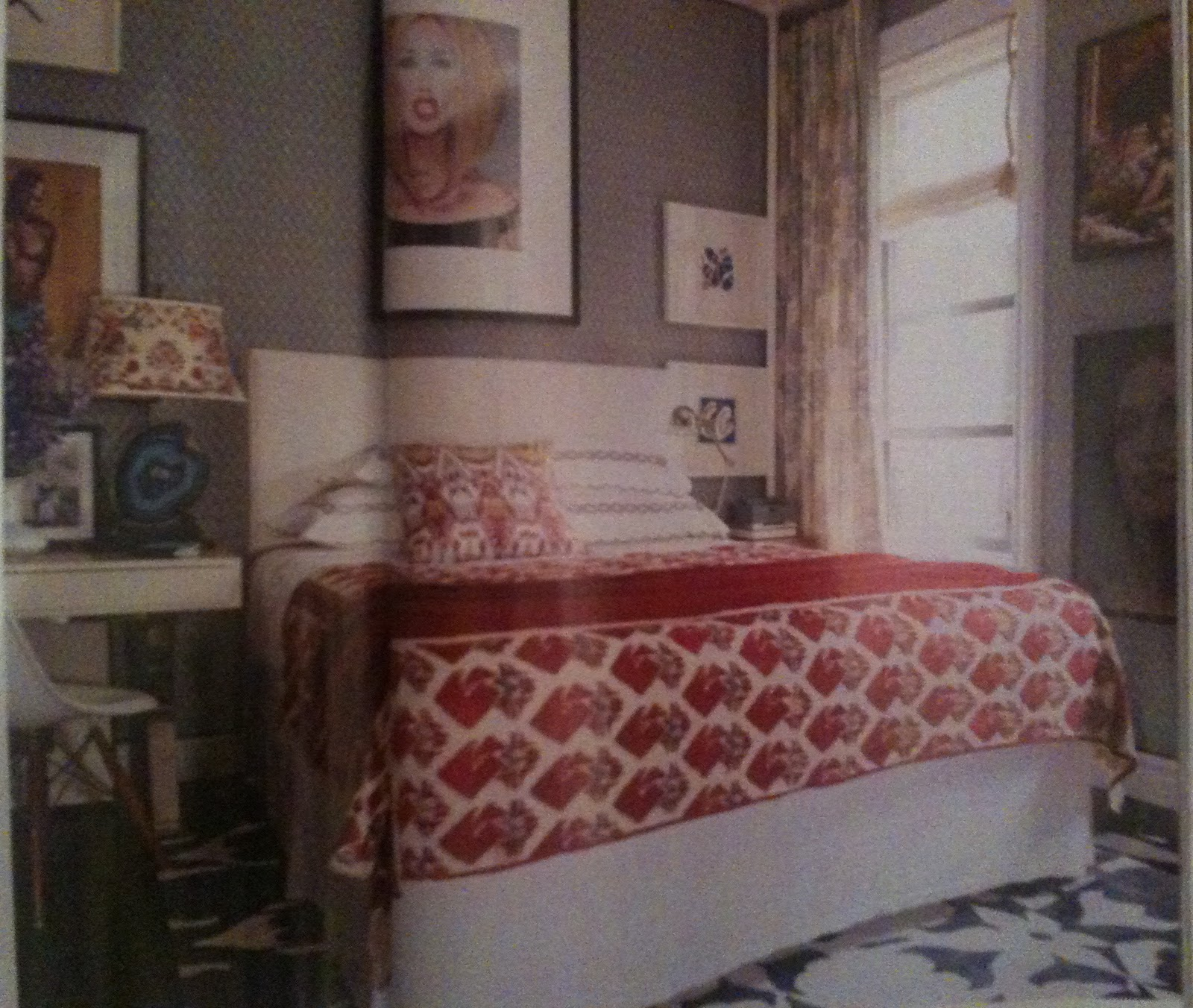 Quirky Bedroom Wallpaper