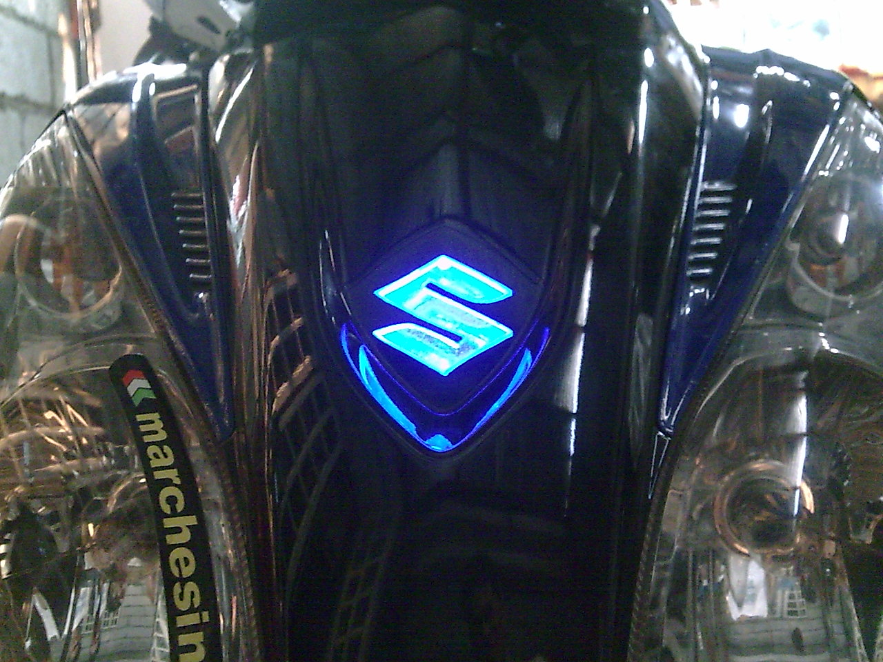 Suzuki Emblem Logo Illuminated