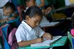 """""""Educar es tocar la vida de alguien para siempre"""""""