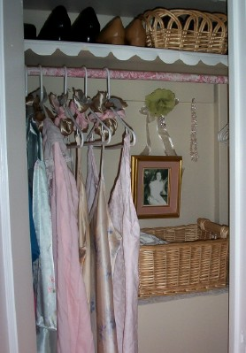 [closet+flower+web.jpg]