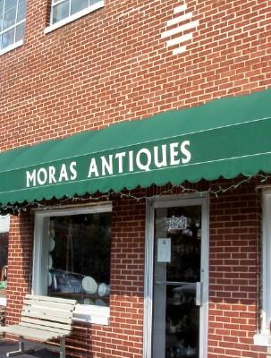 [mora+antiques+web.jpg]