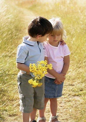 Girl Hugs Boy Wallpaper Rare Collection Of Free Wallpapers Romantic Cute Babies