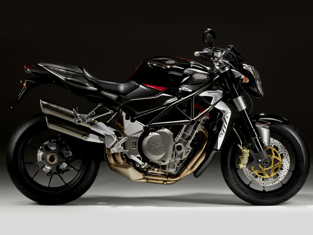 Best Naked Motorcycle 13