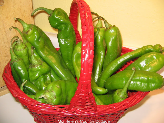 Hatch Green Chilies at Miz Helen's Country Cottage