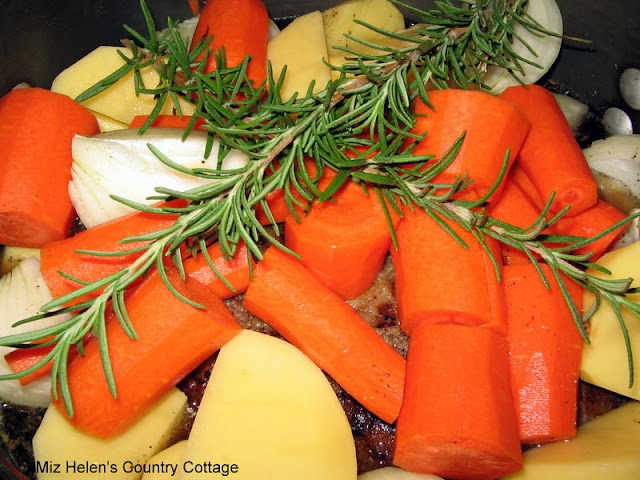 Fall  Pot Roast at Miz Helen's Country Cottage