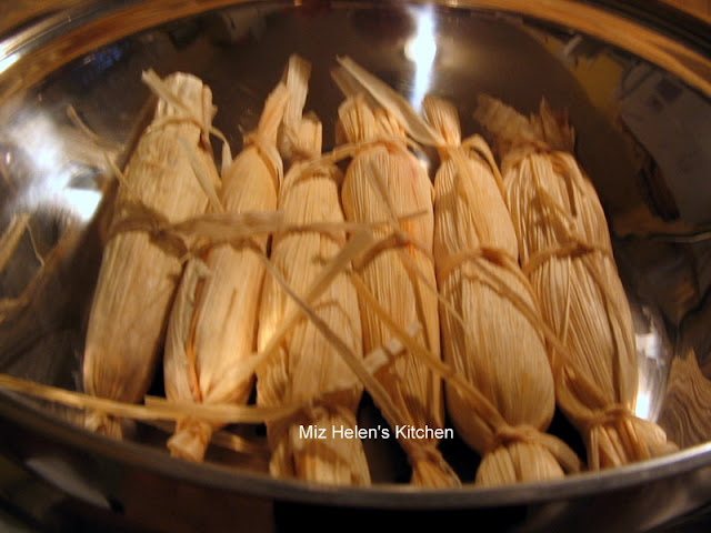 Christmas Eve Tamales Tutorial at Miz Helen's Country Cottage