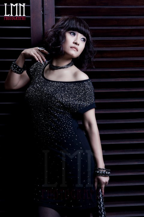 Myanmar popular actress, Nawaratt's Sexy Fashion Photos