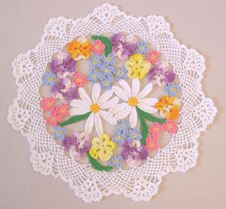 Çiçek bahçesi yuvarlak dantel örneği
