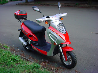 progressive values coolster f5 moped motor scooter offers 70 100 mpg economy. Black Bedroom Furniture Sets. Home Design Ideas