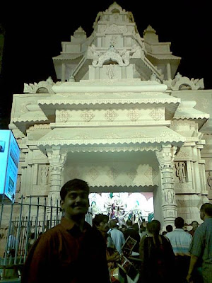 Gsmr kolkata pandal hopping durga puja every pandal is unique in patterns which makes it worth walking miles after miles to watch these innovative designs i like this below one its very thecheapjerseys Choice Image