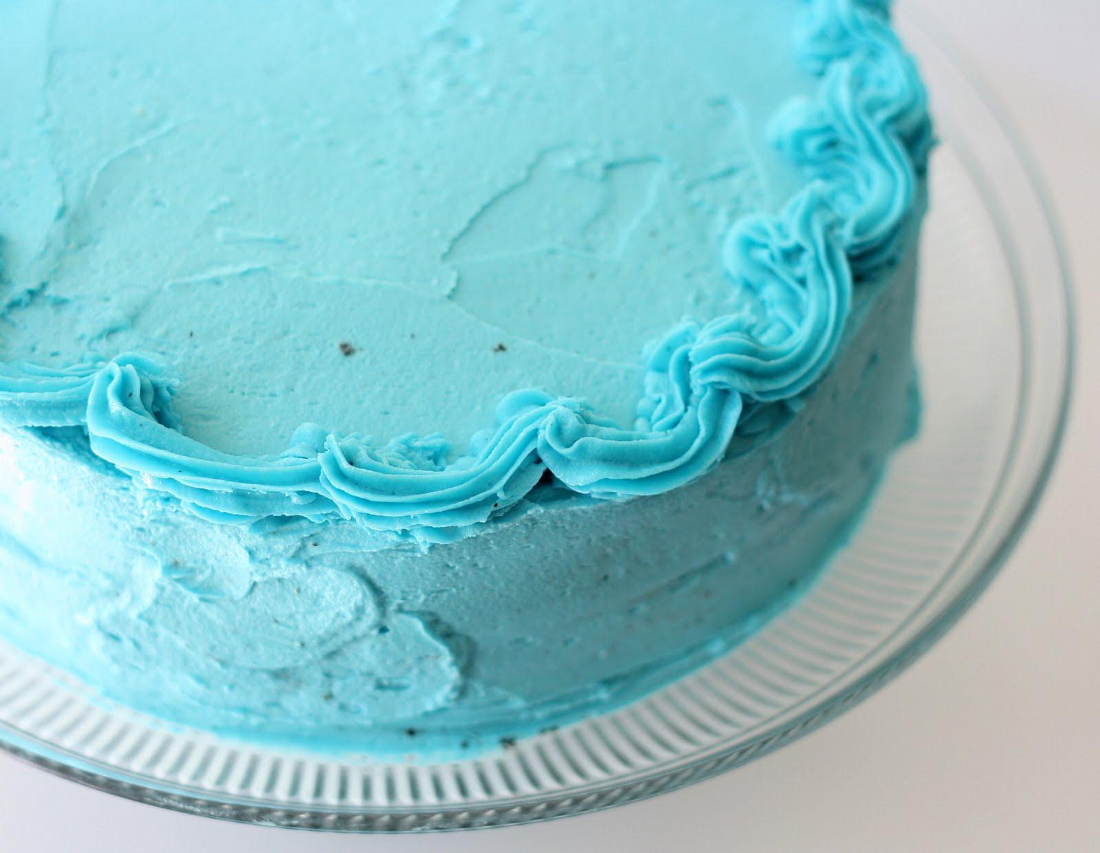 Mangio Da Sola Baby Blue Cake Chocolate And White Cake