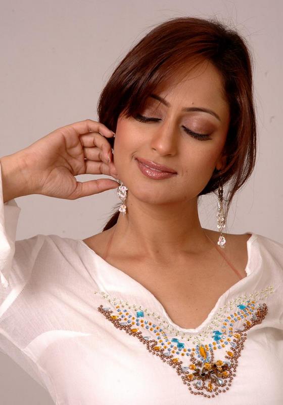 Telugu Actress Kaveri Jha Hot Sexy Photo Gallery  Hot -9125