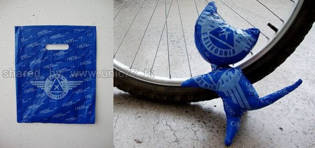 http://1.bp.blogspot.com/_EHi0bg7zYcQ/TJm2lVu8cHI/AAAAAAAAFXo/9q6T0SbYDpc/s1600/plastic_bag_artwork_640_08.jpg