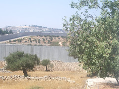 La tomba de Rachel, a l'altre cantó del mur