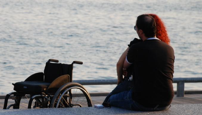 Dizabillove, primul site de intalniri dedicat persoanelor cu dizabilitati din Romania
