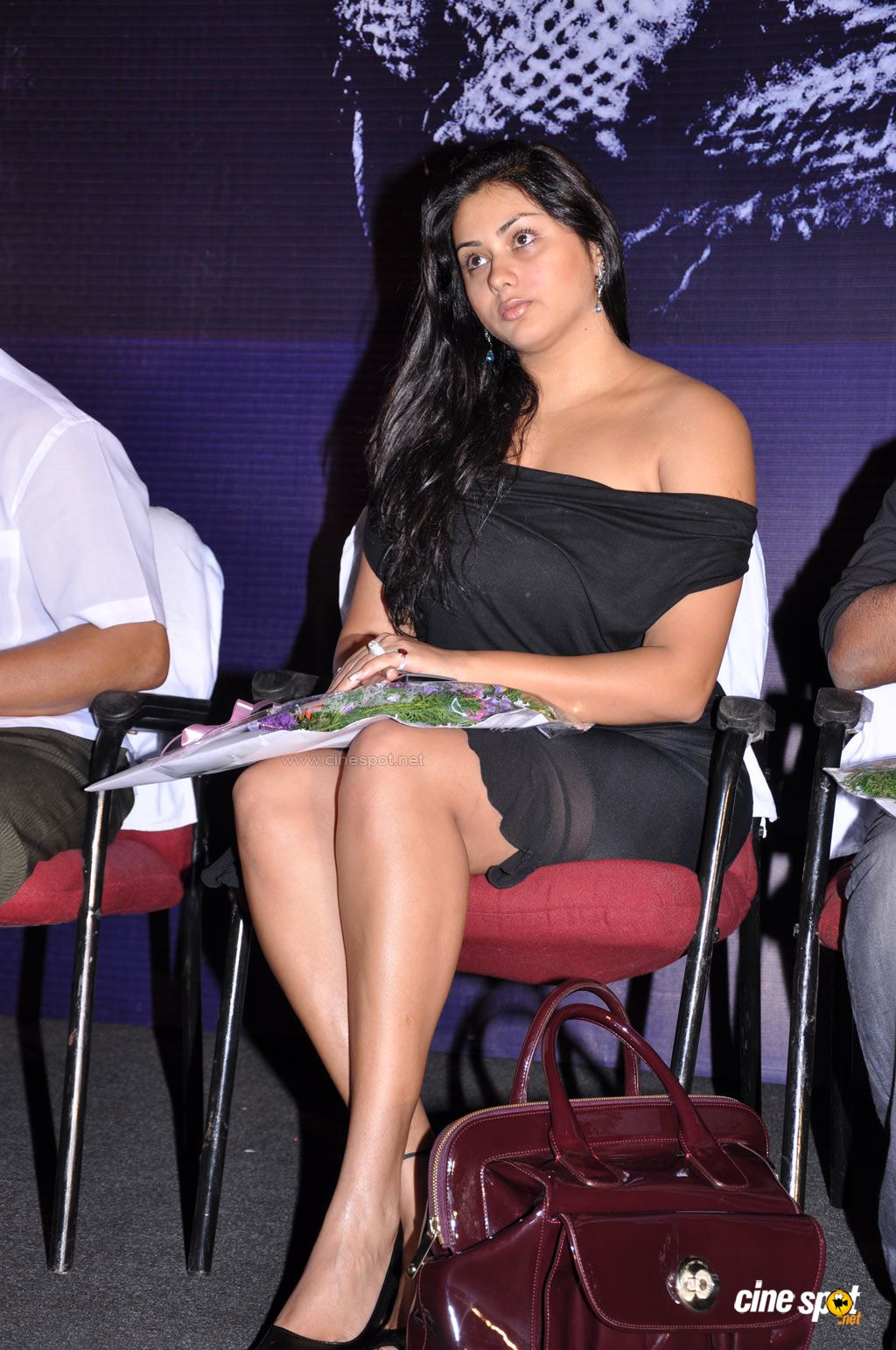Film Actress Photos Namitha Hot Boobs And Creamy Thigh Show-1780