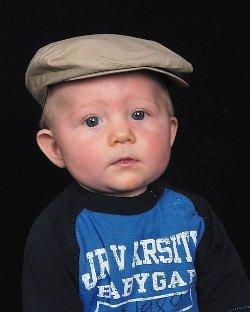 [close+up+hat.bmp]