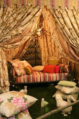 Brilliant asylum august 2007 for Pierre frey showroom