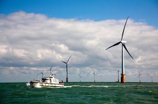 Fv fotovoltaico in inghilterra cento turbine eoliche per for Turbine eoliche domestiche