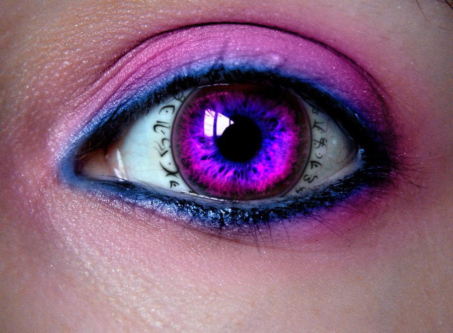 Hypnosis to make someone love you
