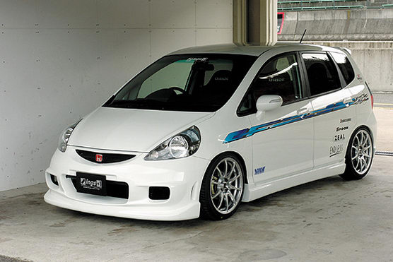 Otomotif: Honda Jazz RS Modification