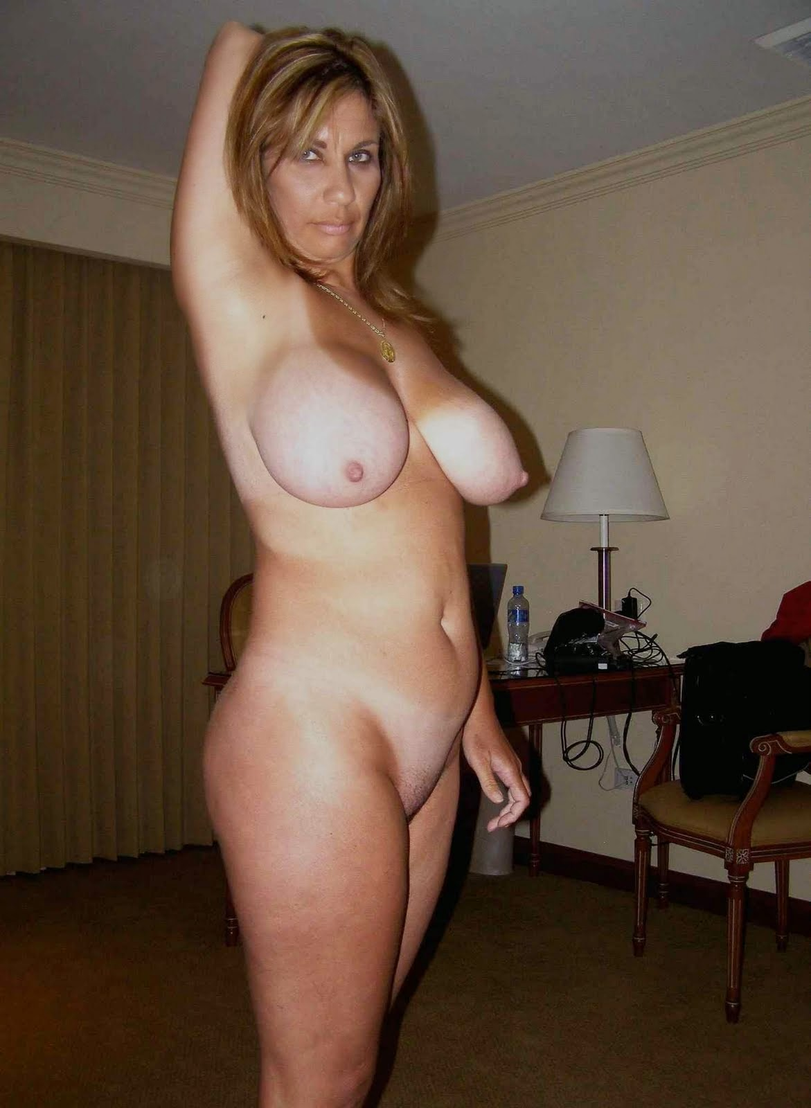 Mature Wives Sex Pics