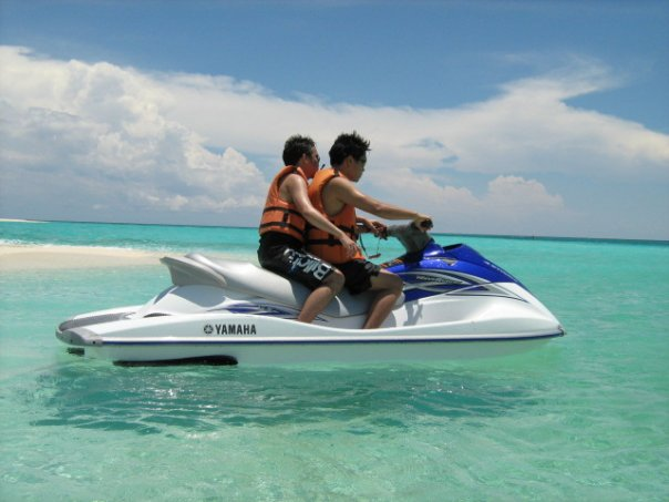 TRAVEL AND MORE: Jetski, white island , Camiguin Philippines