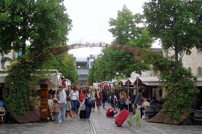 Lembran as de paris um di rio de viagem cours saint milion no s bado nublado - Cours saint emilion paris ...