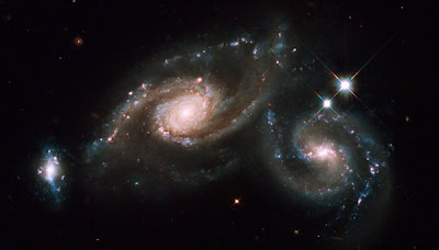 Hubble image of Galaxy Triplet ARP 274