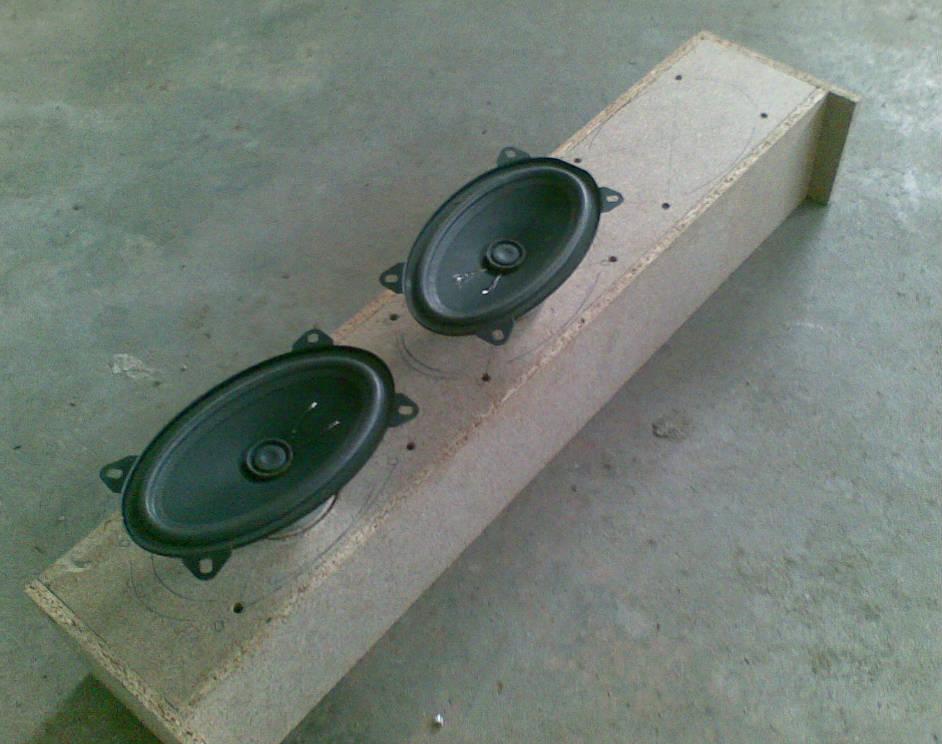 [speaker-box-1]