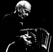 :: ASTOR PIAZZOLLA