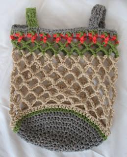 FINGERS' FANCY - a craft blog: Vintage Mesh Bag