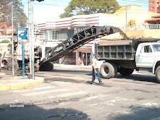 EMICA... asfaltando calles de nuestra Comunidad