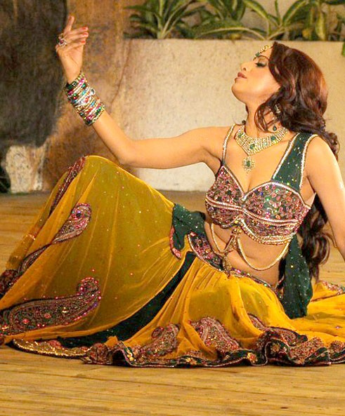 udaya bhanu from leader item song latest photos