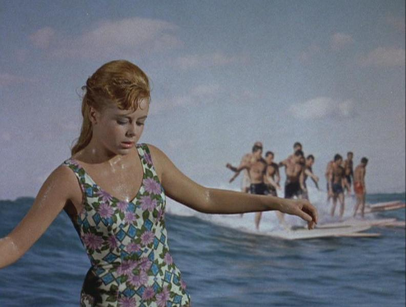 LET'S SEE...: gidget goes hawaiian