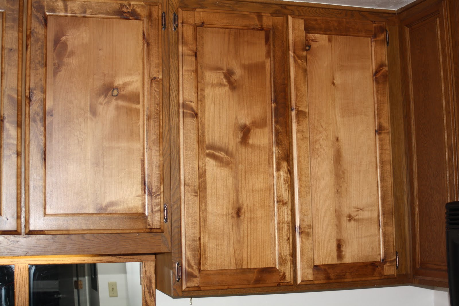 Knotty Alder Kitchen CabiDoors
