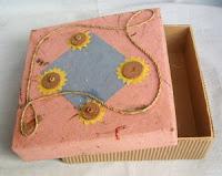 box dengan modifikasi lain dengan menggunakan kertas daur ulang