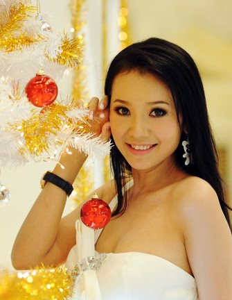 VIETNAMESE BEAUTIES: Jennifer Pham as a Model in Chung