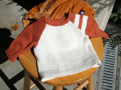 0dd1f48b9 The Yarniad  Patternum Gratis  Candlestick Baby Sweater