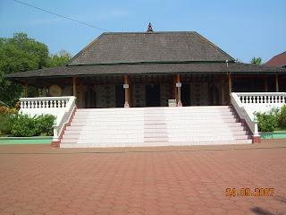 Mantingan Mosque (Jepara Tourism Info)