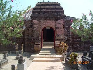 Mantingan Grave (Jepara Tourism Info)