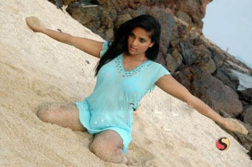 Sexy karishma kapoor hot pussy photos